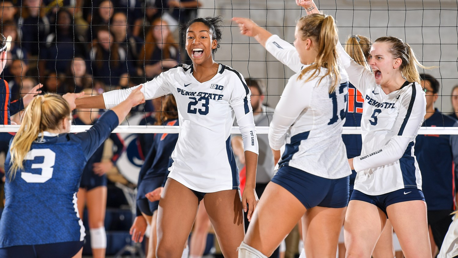 No 7 Women S Volleyball Sweeps Iowa For Eighth Straight Win Penn State University Athletics